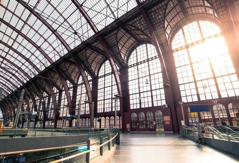浅谈地铁商业环境设计